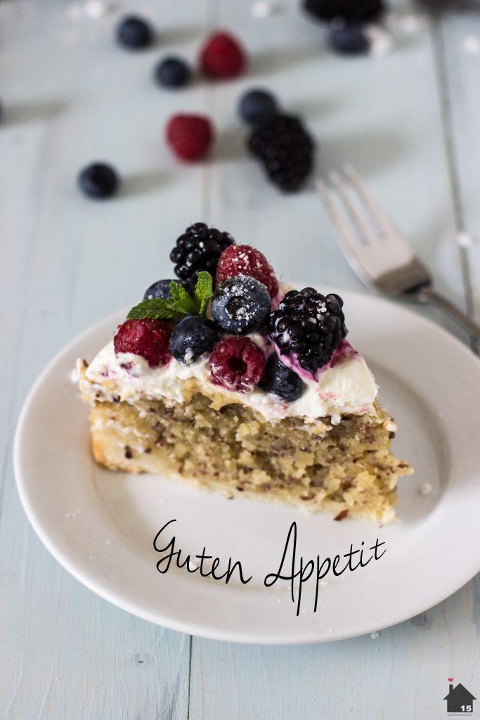 Mandel-Beerenkuchen guten Appetit