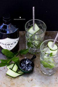 Gin Tonic mit Gurke und Minze
