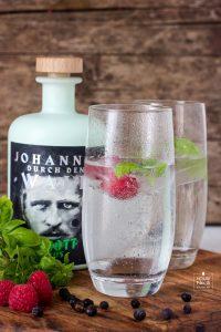 Johannes durch den Wald Gin
