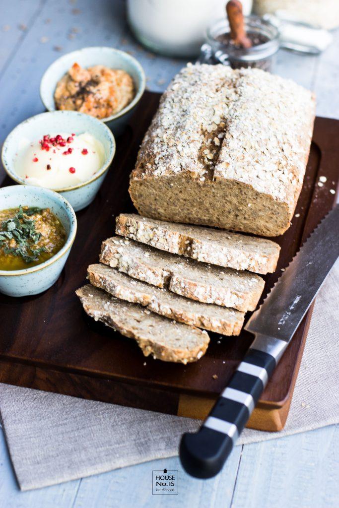 Low Carb Sonnenblumen-Chia-Brot